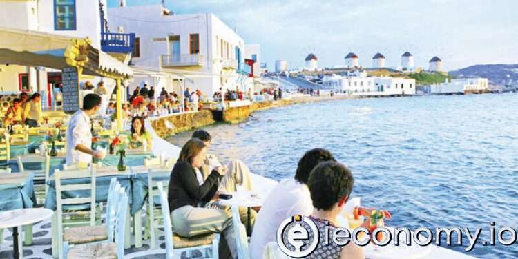 Greece Is Preparing to Welcome Tourists