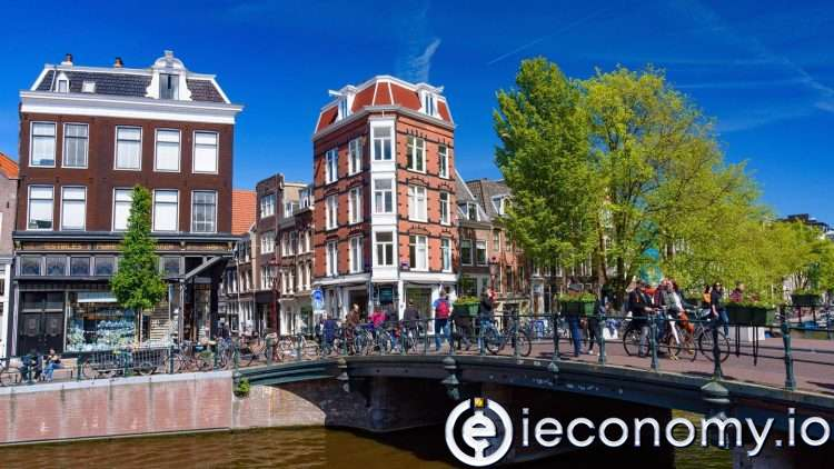 The Airbnb agency in Amsterdam lost around 80 percent of its addresses